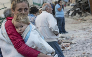 http://www.seguonews.it/sisma-e-altri-traumi-10-consigli-per-proteggere-i-bambini-da-save-the-children-le-regole-per-rassicurare-e-aiutare
