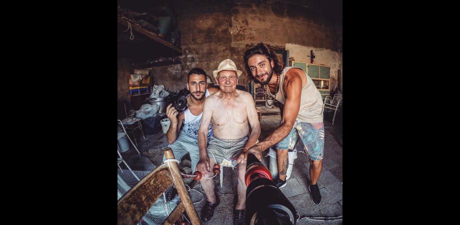 Andar per mari, la dura vita dei pescatori siciliani. Il docu-video coast to coast di Spinelli e Campisi