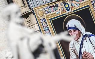 http://www.seguonews.it/madre-teresa-di-calcutta-proclamata-santa-china-sugli-ultimi-sfido-i-potenti