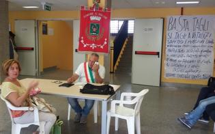 http://www.seguonews.it/non-chiudete-il-nostro-pronto-soccorso-a-niscemi-prosegue-loccupazione-del-sindaco-contro-i-tagli