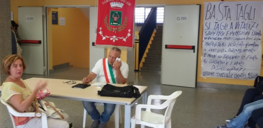 """""""Non chiudete il nostro Pronto soccorso"""". A Niscemi prosegue l'occupazione del sindaco contro i tagli"""