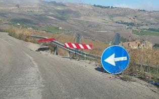 http://www.seguonews.it/strade-franate-e-insicure-nel-nisseno-il-vicesindaco-di-montedoro-rischiamo-lisolamento
