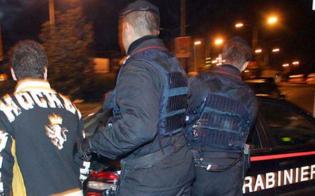 http://www.seguonews.it/le-manette-dopo-la-serata-in-pizzeria-era-ai-domiciliari-carabinieri-lo-arrestano-per-evasione