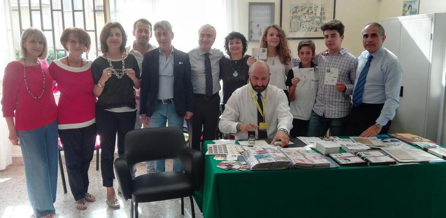 """Annullo filatelico speciale a Delia: vince disegno di uno studente della scuola """"Di Maria"""""""