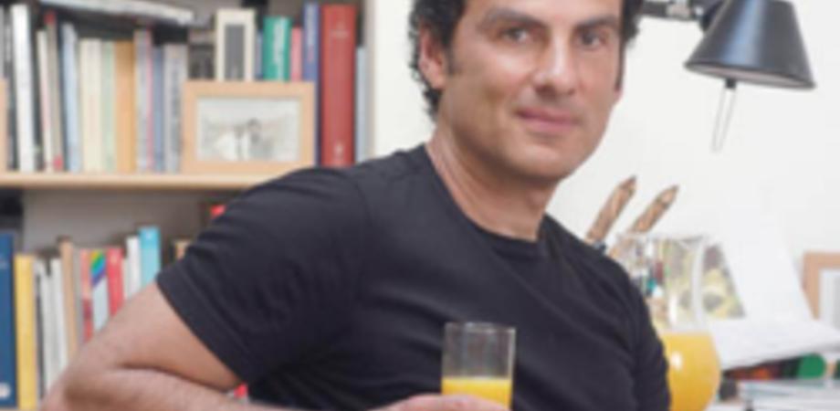 """""""Sicilia dunque penso"""". Il 7 ottobre lo scrittore De Carlo incontra i liceali del """"Settimo"""""""