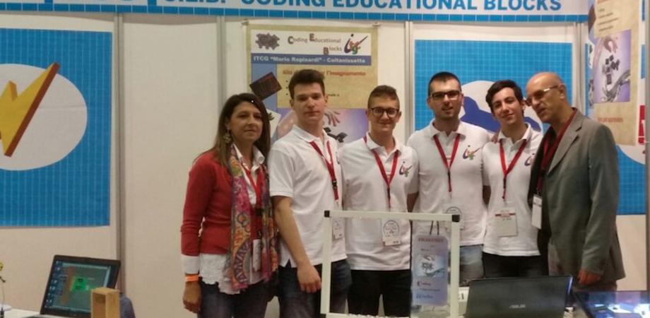 """Scuola hi-tech. Studenti del """"Rapisardi"""" selezionati per """"Maker Faire Europa"""""""