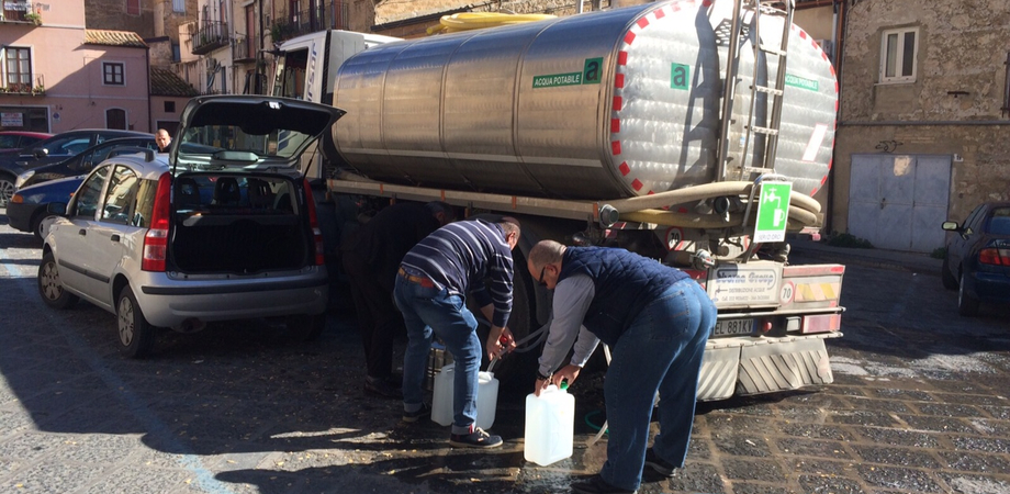 San Cataldo, fermo totale per la fornitura di acqua: saranno disponibili delle autobotti
