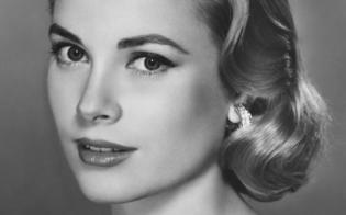Era il 1929, nasceva oggi una delle più belle donne della storia: Grace Kelly da sempre icona di raffinatezza