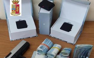 Rilevatori di microspie, una pistola e soldi in casa. Due pregiudicati gelesi perquisiti e arrestati dopo la violazione dei domiciliari