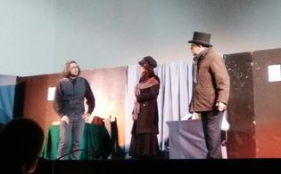 http://www.seguonews.it/caltanissetta-successo-lo-spettacolo-teatrale-del-liceo-scientifico-christmas-carol