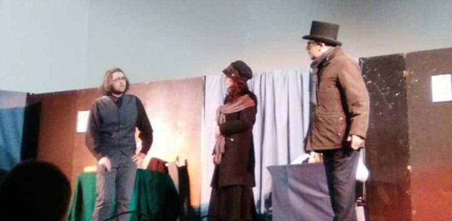 """Caltanissetta, successo per lo spettacolo teatrale del liceo scientifico """"Christmas Carol"""""""