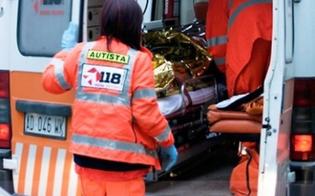 San Cataldo, auto slitta sul ghiaccio e finisce fuori strada: 45enne in ospedale in codice giallo