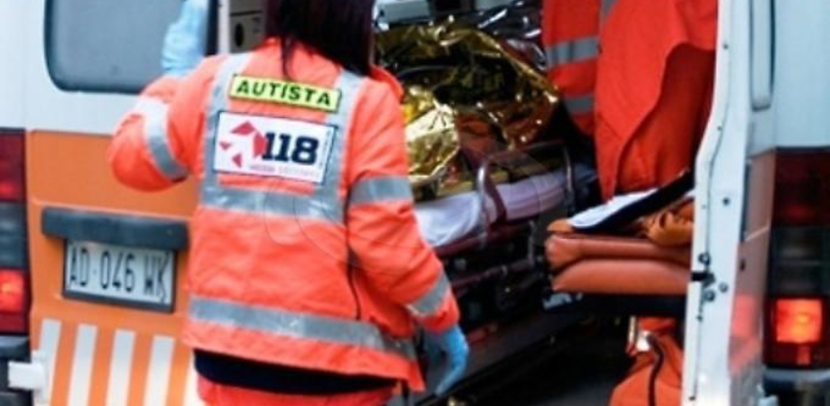 Resuttano, cade dal tetto e precipita sul terrazzo: 74enne finisce in pronto soccorso