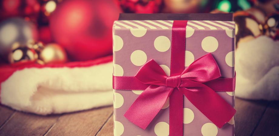Dalle mete preferite, ai regali, ai piatti: curiosità e consigli degli esperti per le feste natalizie