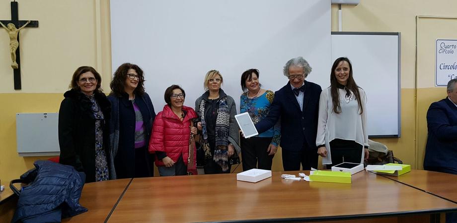 """Caltanissetta, l'associazione """"Mogli Medici Italiani"""" dona due tablet alla scuola """"Vittorio Veneto"""""""