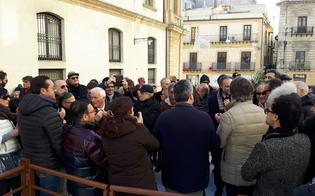 https://www.seguonews.it/caltanissetta-festoso-brindisi-salita-matteotti-leandro-janni-si-contenta-gode-applaude