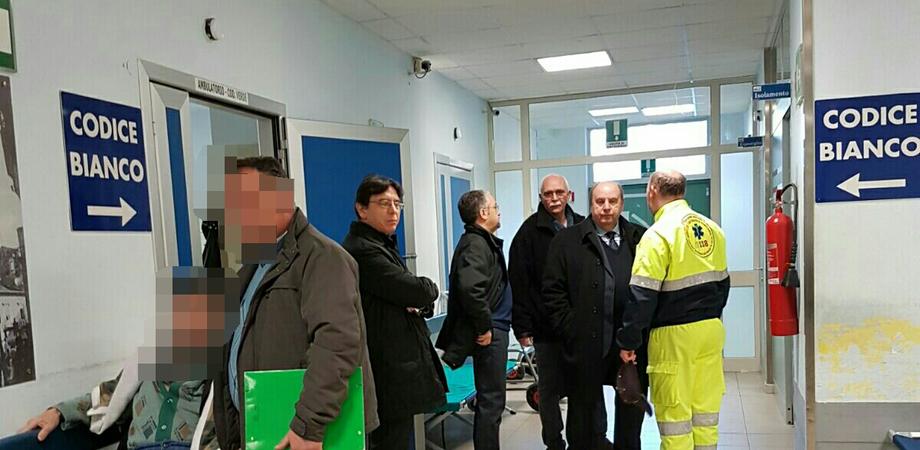 Caltanissetta, crisi pronto soccorso: il direttore generale incontra malati e primari