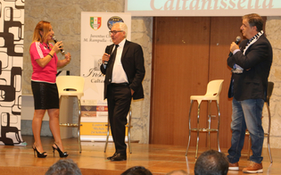 http://www.seguonews.it/caltanissetta-al-teatro-rosso-san-secondo-scena-gran-gala-juventus-club-rampulla-pessotto