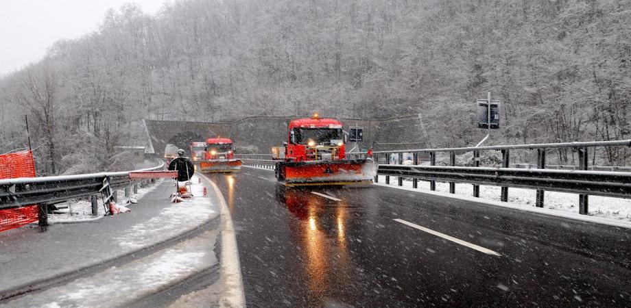 Viabilità, dal 15 novembre obbligo di catene a bordo: fra le autostrade a rischio anche la A19 Palermo-Catania