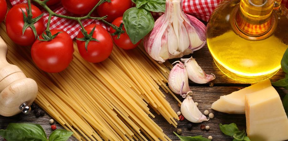 Nuovo studio: la dieta mediterranea protegge il cervello dai danni dell'invecchiamento