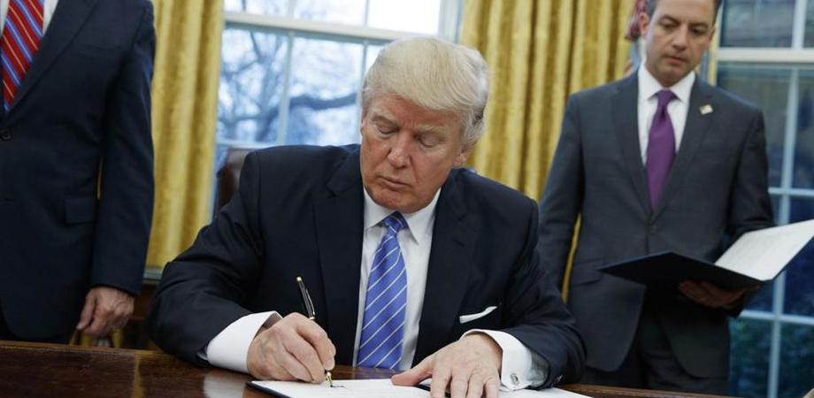 Trump blocca i rifugiati di 7 nazioni islamiche: proteste negli Stati Uniti e nel mondo