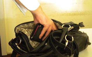 http://www.seguonews.it/caltanissetta-furto-al-pronto-soccorso-nella-notte-manolesta-sottrae-borsa