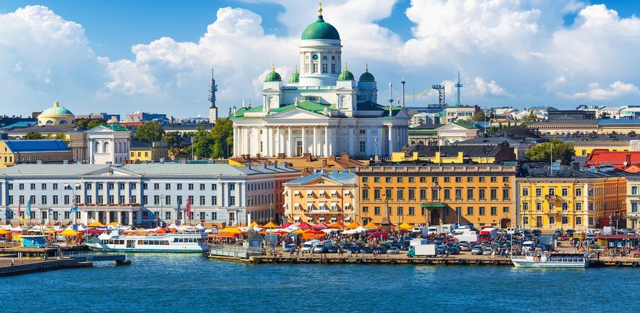 """Contro la povertà la Finlandia primo paese a """"regalare"""" 560 euro ai cittadini disoccupati"""