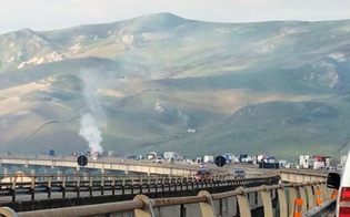 Camion va a fuoco sull'autostrada A19: lunghe code tra Enna e Caltanissetta