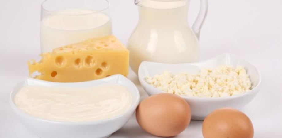 Cibo in Italia più caro della media Ue: latte, uova e formaggi  21 %, pane  18%