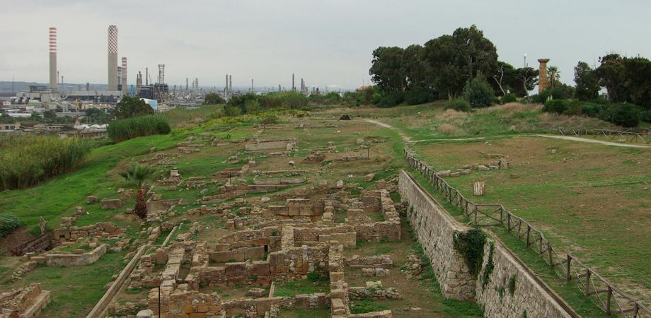 Eccezionale scoperta archeologica a Gela: megalite utilizzato dai preistorici come pietra calendario