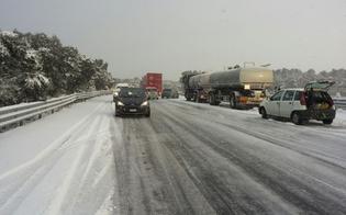 Caltanissetta, emergenza neve: stanotte decine di automobilisti