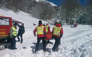 Ondata di gelo in Sicilia, bufera di neve si abbatte su Piano Battaglia: soccorse 50 persone