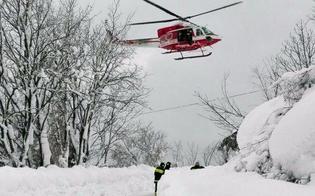 http://www.seguonews.it/hotel-rigopiano-8-persone-estratte-vive-ci-anche-due-bambini-si-continua-scavare