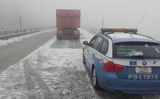 Maltempo, sulla A19 Tir si intraversa tra Enna e Sacchitello: traffico fermo per oltre un'ora