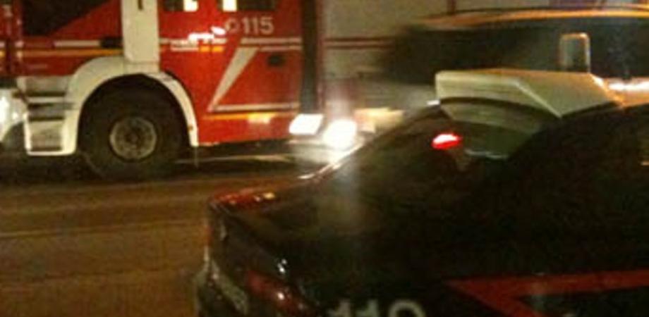 San Cataldo, nella notte ignoti appiccano le fiamme all'auto di un commercialista