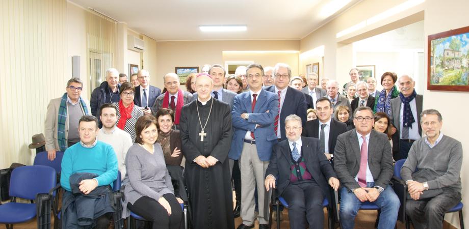 """Caltanissetta, """"mettere al centro i diritti della persona"""": il vescovo incontra i medici"""