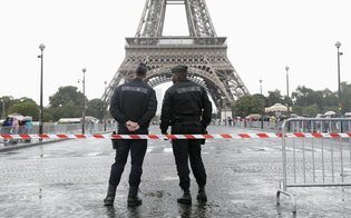 https://www.seguonews.it/allarme-parigi-sventato-un-attacco-terroristico-arrestate-quattro-persone