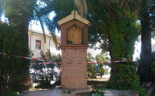 http://www.seguonews.it/caltanissetta-vandali-scatenati-distrutta-nella-notte-cappelletta-votiva
