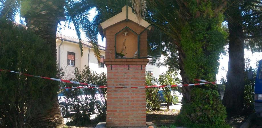 Caltanissetta, vandali scatenati: distrutta nella notte una cappelletta votiva