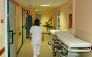 http://www.seguonews.it/orrore-lecce-diciassettenne-partorisce-nasconde-feto-nellarmadio