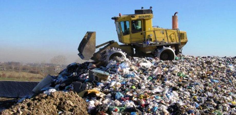Caltanissetta, discariche inquinanti chiuse da tempo: il dossier inviato ai Pm