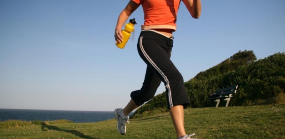 Esercizio fisico e controllo del peso: due alleati per evitare il ritorno del cancro al seno