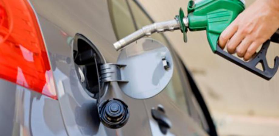 Carburante, cresce nuovamente il prezzo di benzina e diesel