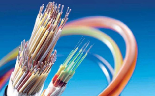 https://www.seguonews.it/caltanissetta-cavi-telecom-tranciati-operai-ancora-1700-utenze-senza-internet-telefono