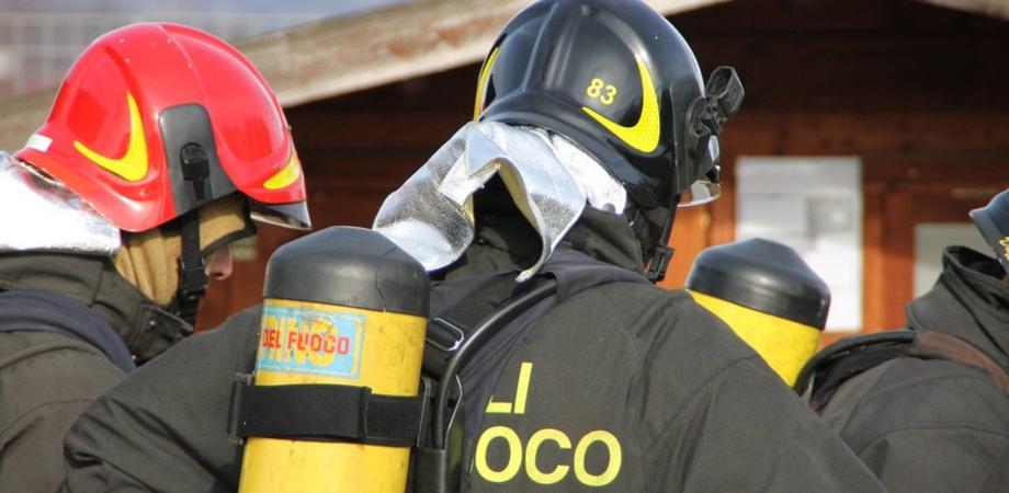 San Cataldo, imponente fuga di gas in via Don Bosco: vigili del fuoco a lavoro l'intera notte