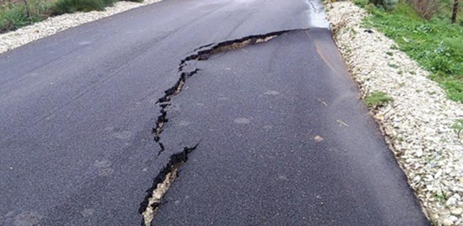Caltanissetta, Gibil Gabib: strada riparata ad agosto frana con la pioggia. Disagi per 100 famiglie