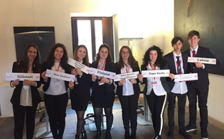 http://www.seguonews.it/caltanissetta-simulazioni-onu-29-studenti-del-liceo-classico-partenza-new-york
