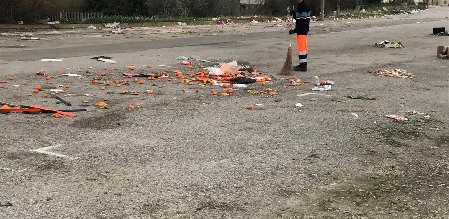 Caltanissetta. Mercatino del sabato, rifiuti e controlli: Petrantoni interroga il sindaco