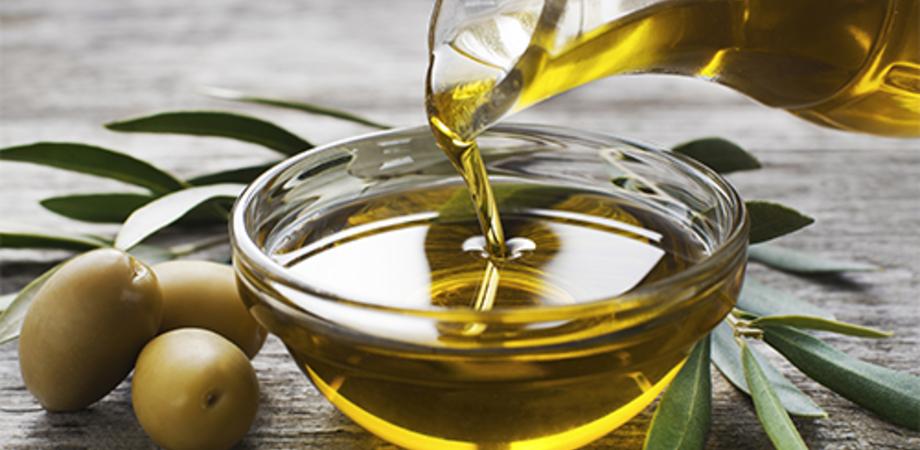 Dieta mediterranea, 4 cucchiai di olio d'oliva al giorno toccasana per la salute