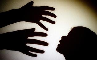 http://www.seguonews.it/voleva-fuggire-un-minorenne-suo-parente-pedofilo-seriale-arrestato-ragusa